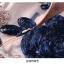 เดรสผ้าปักริบบิ้นเป็นรูปดอกไม้ โทนสีน้ำเงิน และสีชมพูกะปิ ซับในด้วยผ้าไหม เนื้อเงาๆๆ สีชมพูกะปิ thumbnail 11