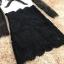 เดรสผ้าลูกไม้เนื้อดีตัวเสื้อสีขาว แขนเสื้อและกระโปรงผ้าลูกไม้สีดำ thumbnail 12