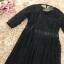 เดรสผ้าลูกไม้เนื้อดี ลายเส้นของผ้าลูกไม้ตามแบบ สีดำ แขนยาวสามส่วน คาดที่เอวด้วยริบบิ้นแถบกว้าง thumbnail 11