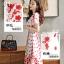 เดรสผ้าลูกไม้ถักพื้นสีขาว ลายดอกไม้สีแดง หน้าอกคาดด้วยผ้าถักโครเชต์สีขาว thumbnail 3