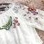 เดรสผ้าลูกไม้เนื้อดีสีครีม คอเสื้อมีสายยืดจั๊ม ตัวชุดปักลายดอกไม้และผีเสื้อ thumbnail 15