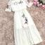 เดรสผ้าลูกไม้เนื้อดีสีครีม คอเสื้อมีสายยืดจั๊ม ตัวชุดปักลายดอกไม้และผีเสื้อ thumbnail 14