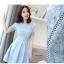 เดรสตัวเสื้อผ้าลูกไม้เนื้อนิ่มสีฟ้า แขนสั้น ปลายแขนเสื้อแต่งด้วยผ้าถักโครเชต์ รูปดอกไม้ thumbnail 12