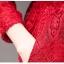 เดรสผ้าลูกไม้ถักสีแดง แขนยาว เข้ารูปช่วงเอว กระโปรงทรงเอ เย็บจับจีบรอบเอว มีกระเป๋าที่กระโปรง thumbnail 9