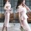เดรสผ้าโพลีเอสเตอร์ผสมสีชมพู เปิดไหล่ด้านขวา ไหล่ด้านซ้ายแต่งด้วยผ้าผูกเป็นโบว์ thumbnail 10