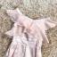เดรสผ้าไหมเนื้อเงาสีชมพู ทอลายดอกกุหลาบ แต่งผ้าชีฟองระบายที่หน้าอก ใส่เปิดไหล่ทั้ง 2 ข้างหรือข้างเดี thumbnail 16
