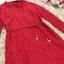 เดรสผ้าลูกไม้เนื้อดี สีแดงแขนยาว ทรงตรง คอเสื้อระบายผ้าลูกไม้ มาพร้อมสายผูกเอวเหมือนแบบ thumbnail 17