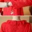 เดรสผ้าลูกไม้เนื้อดี สีแดงแขนยาว ทรงตรง คอเสื้อระบายผ้าลูกไม้ มาพร้อมสายผูกเอวเหมือนแบบ thumbnail 5