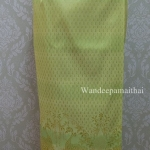ผ้าถุงไหมสำเร็จรูป สีเขียว เอว32-34 นิ้ว
