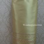ผ้าถุงไหมสำเร็จรูปเนื้อดี สีเขียวสวย2 เอว30 นิ้วเลื่อนได้ถึง32 นิ้ว