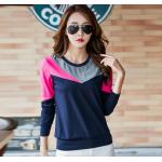 เสื้อยืดแขนยาวแฟชั่น สีสันจี๊ดๆ ตัดกันอย่างโดดเด่น ผ้านิ่ม น่าใส่มากๆ - น้ำเงิน