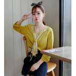 เสื้อแขนยาวแฟชั่น สะดุดตาด้วยปกเสื้อดีไซน์เหมือนเนคไทด์ - เหลือง