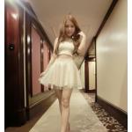 เสื้อแฟชั่นเกาหลี มาพร้อมกระโปรงเข้าชุด น่ารักๆ แต่ก็เซ๊กซี่ไม่เบา - ขาว