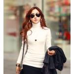 เสื้อยืดแขนยาวคอเต่า แฟชั่นเรียบๆ ที่เหล่าคนดังชอบใส่กัน - ขาว