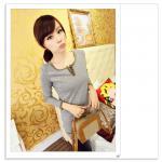 เสื้อแฟชั่นเกาหลีแขนยาวสไตล์ย้อนยุค ตกแต่งคอเสื้อและชายเสื้อด้วยด้ายสีทอง สีเทา