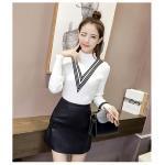 เสื้อแฟชั่นเกาหลีสวยๆ คอเต่าผ้านิ่ม คาดลายเหมือนคอวี ทั้ง 2 ด้าน ดูเก๋จริงๆ - ขาว
