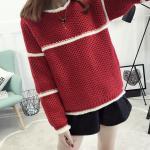 เสื้อกันหนาวแฟชั่น สีสันสวยๆ โดนๆ กับดีไซน์คลาสสิคที่ใส่ได้ทุกยุค อุ่นแน่นอนยามสวมใส่ - แดง