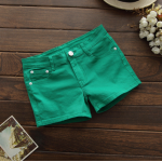 กางเกงยีนส์ขาสั้นสีสันโดนๆ แฟชั่นสีสันสดใส สำหรับสาวๆ ได้ใส่ชิลๆ โชว์ขาเรียวๆ SET4 - เขียวเข้ม