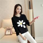 เสื้อกันหนาวแฟชั่นมาใหม่ ปักลายดอกไม้สวยๆ ดูสวยและลงตัวในแบบพอดีๆ คร่าา - ดำ