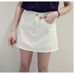 กระโปรงยีนส์สั้น ผ้าหนา ทรงสวย มีกางเกงในตัว หมดห่วงเรื่องนั่งโป๊ - ขาว S