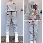 ชุดเซ็ทเสื้อกันหนาวพร้อมกางเกงวอร์ทเข้าชุด สีสวยๆ กับลายการ์ตูนยอดฮิต ดูดี น่าใส่สุดๆ - เทา