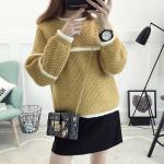 เสื้อกันหนาวแฟชั่น สีสันสวยๆ โดนๆ กับดีไซน์คลาสสิคที่ใส่ได้ทุกยุค อุ่นแน่นอนยามสวมใส่ - เหลือง