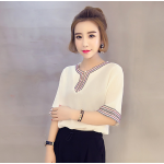 เสื้อแฟชั่นเกาหลี แต่งลายสวยๆ ดูหวานแบบพอดีๆ - ขาว