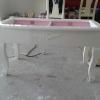 โต๊ะลิ้นชักวินเทจสีขาวสำหรับร้านค้า