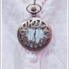สร้อยคอโกธิคโลลิต้า จี้ล็อกเก็ตนาฬิกาสีทองรมดำฝาลายตัวเลขนาฬิกา