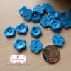 กระดุมลายดอกไม้สีฟ้า ขนาด 1.3 ซม. จำนวน 12 เม็ด(1โหล)