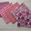 Set 5 ชิ้น: ผ้าคอตตอนไทย 5 ลาย โทนสีแดง แต่ละชิ้นขนาด 27.5 × 50 ซม.