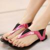 รองเท้าแตะแฟชั่น มีสายรัดข้อเท้า สีสันทูโทนตัดกันแบบลงตัว โดดเด่นสะดุดตา