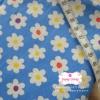 ผ้าคอตตอนลินิน 1/4ม.(50x55ซม.) พื้นสีฟ้า ลายดอกไม้