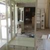 ตู้โชว์วินเทจสีขาวสำหรับร้านค้า