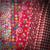 Set 5 ชิ้น : ผ้าคอตตอน 100% โทนสีแดง 4 ลาย และผ้าแคนวาสสีแดงลายตาราง แต่ละชิ้นขนาด 1/8 ม.(50x27.5ซม.)