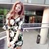 เดรสแฟชั่นต้อนรับซัมเมอร์ สดใสด้วยลายดอกไม้สีสวยตัดกับชุดทรงเก๋ๆ