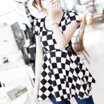 พร้อมส่ง ::MO059:: เสื้อแฟชั่น ลายตารางสีขาวสลับดำ ตัดต่อผ้าลูกไม้ช่วงเอวค่ะ น่ารักสุดๆ