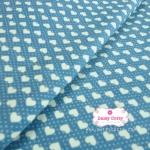 ผ้าคอตตอน 100% 1/4 เมตร พื้นlสีฟ้าคราม ลายหัวใจสลับลายจุดสีขาว