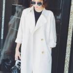 พร้อมส่ง ::MO271:: เสื้อคลุมตัวยาว ใส่เป็นเสื้อกันหนาวได้ค่ะ สีขาว
