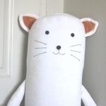 ปลอกหมอนข้างตุ๊กตาแมว สีขาว ## พร้อมส่งค่ะ ##