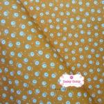 ผ้าคอตตอนไทย 100% 1/4 เมตร พื้นสีเหลืองส้ม ลายดอกขาว