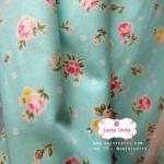 ผ้าคอตตอน 100% 1/4 ม.(50x55ซม.) พื้นสีเขียว ลายดอกกุหลาบ