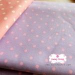 ผ้าคอตตอนลินิน 1/4ม.(50x55ซม.) พื้นสีม่วงอ่อน ลายจุดสีชมพู