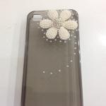 เคสไอโฟน 5/5s/SE (Case Iphone 5/5s/SE) เคสไอโฟนโปร่งใสสีดำ ประดับดอกไม้มุก