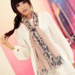 ผ้าพันคอผ้าPolyester+ผ้าไหม ลายลูกไม้เสือดาวสีชมพู ( รหัส P56 )