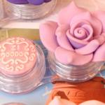 ตลับใส่ Contact Lens ตลับใส ดอกไม้สีม่วงอ่อน Anna Sui
