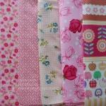 Set 5 ชิ้น : ผ้าคอตตอนไทย 5 ลาย โทนสีชมพู แต่ละชิ้นขนาด1/8 ม.(50x27.5ซม.)
