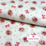 ผ้าคอตตอนไทย 100% 1/4 ม.(50x55ซม.)พื้นสีขาว ลายพุ่มดอกไม้และโบว์