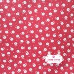 ผ้าคอตตอนไทย 100% 1/4 เมตร พื้นสีแดง ลายดอกขาว