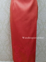 ผ้าถุงไหมสำเร็จรูป สีแดง เอว28 นิ้วเลื่อนได้ถึง30 นิ้ว